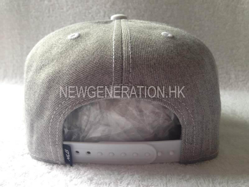 Embroidery Snapback Cap In Wool Blend 4